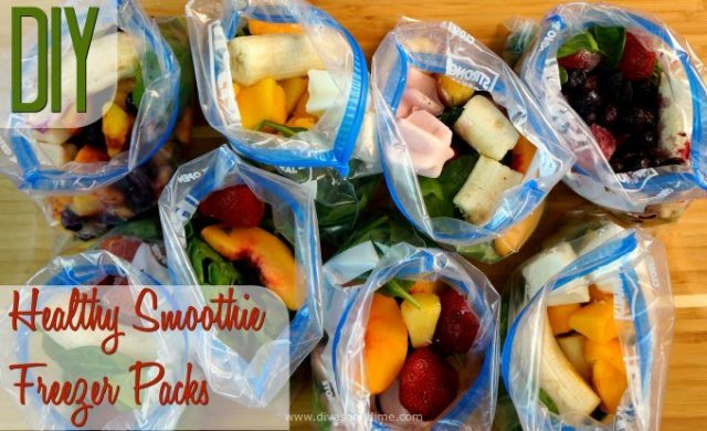 Quick, easy, nutritious, delicious and cheap! How to make the easiest breakfast even easier - DIY healthy smoothie freezer packs.